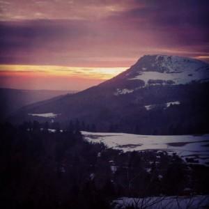 Sublime coucher de soleil en allant au Mont Dore.