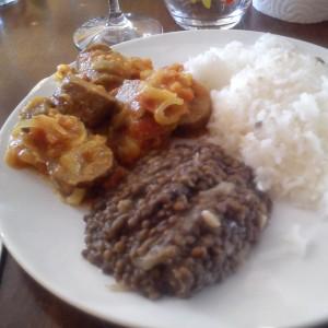 Premier repas réunionnais de ma vie (Rougail saucisses)