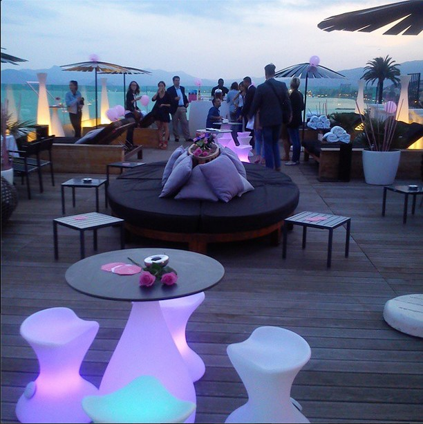 Début de soirée sur le toit du Radisson Blu de Cannes