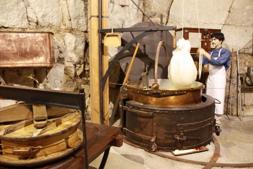 Visite-cave-affinage-Rousses (9)