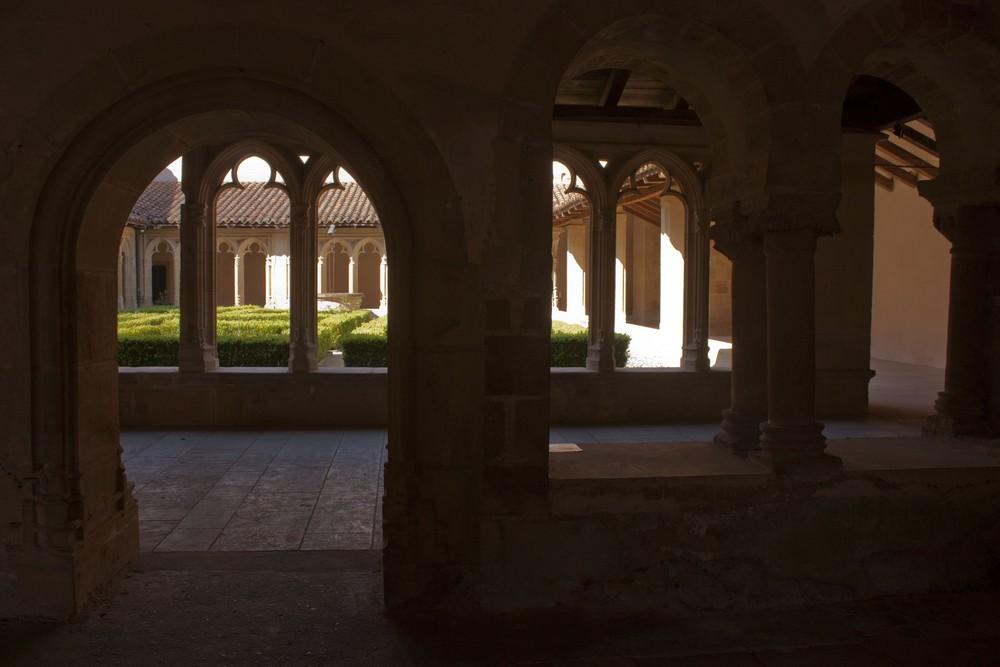 Cloitre Abbaye Charlieu (2)