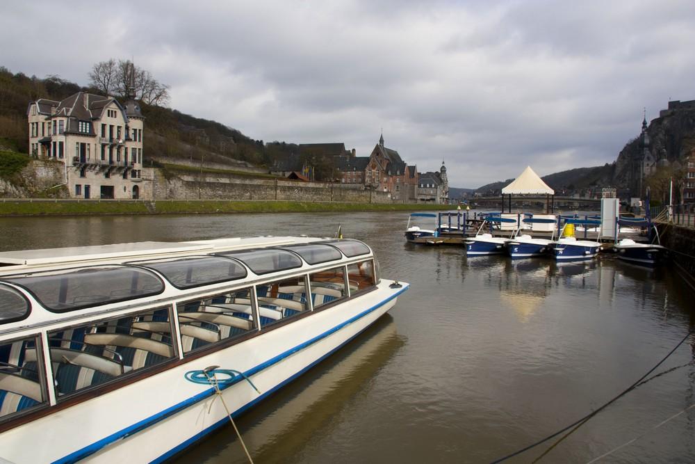 Dinant-Belgique_La-Boucle-Voyageuse (1)