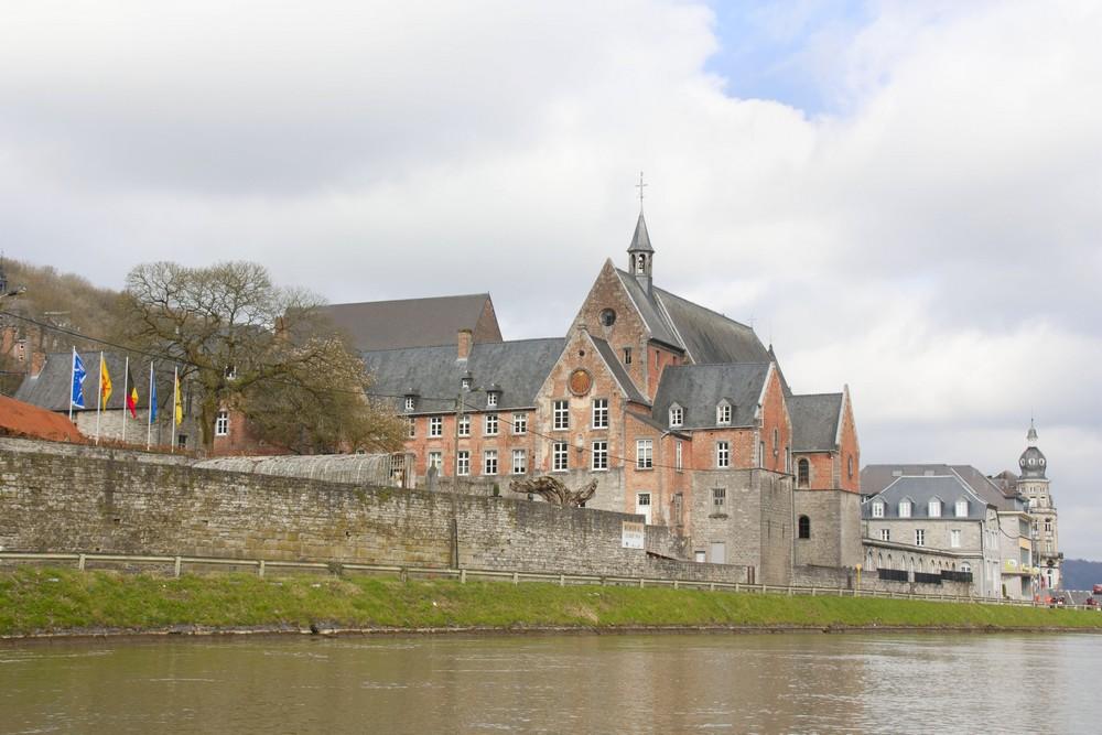 Dinant-Belgique_La-Boucle-Voyageuse (14)