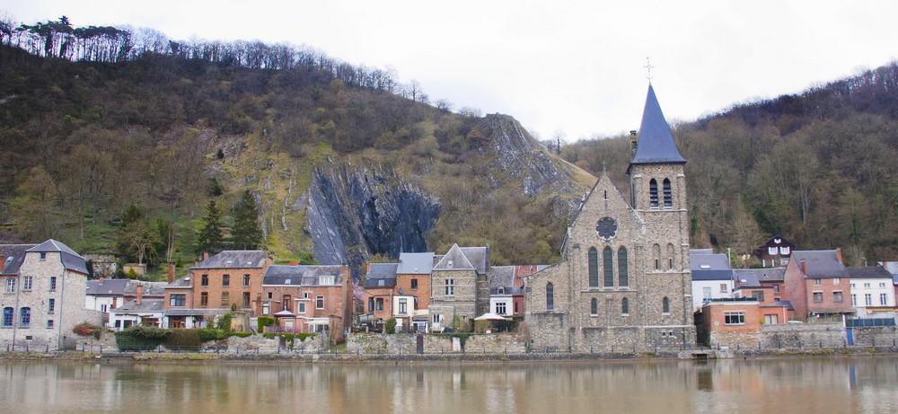 Dinant-Belgique_La-Boucle-Voyageuse (4)