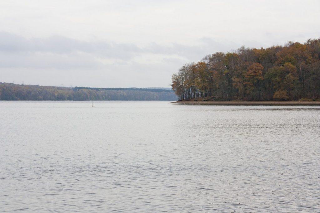 lac-des-vieilles-forges-automne-la-boucle-voyageuse-2