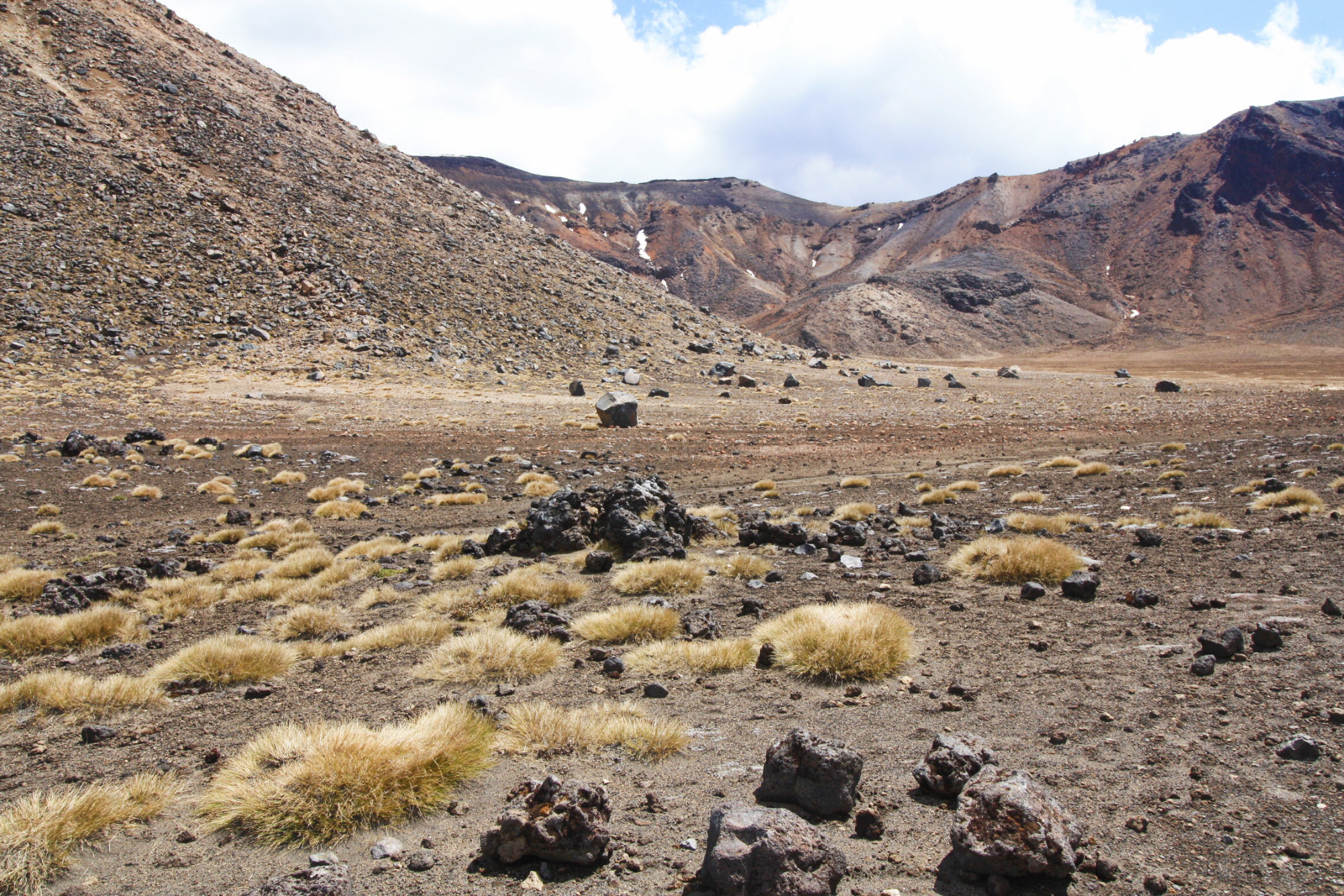 Tongariro-south-crater_Nouvelle-Zelande