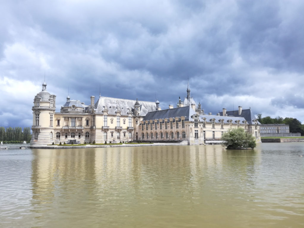 Chateau-Chantilly_Avenue-Verte